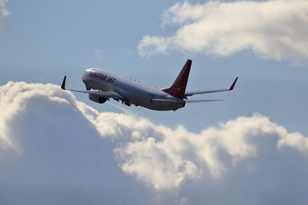 B737 Eastar Jet takeoff