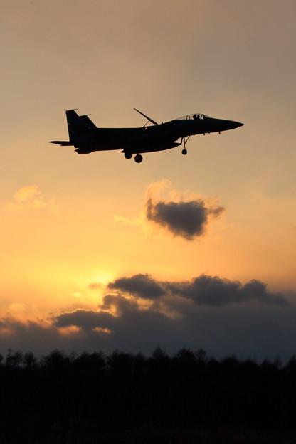F-15J Sun set approach (2)