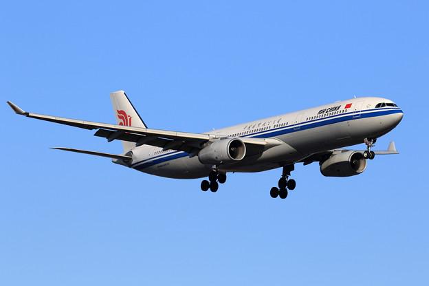 A330 中国国際航空公司 B-8577 approach