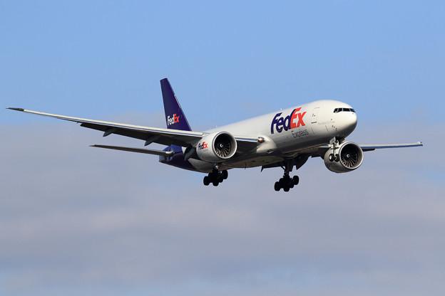 B777F FedEx N891FD approach (1)