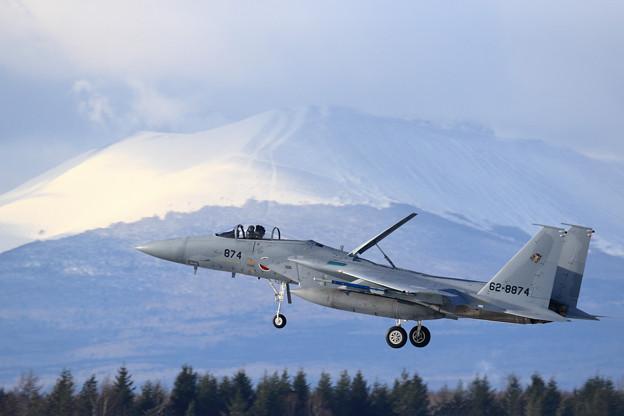 F-15J 874 201sq approach