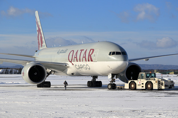 B777F Qatar Airways Cargo A7-BFF push back