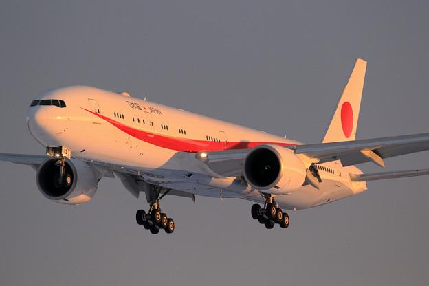 B777 次期政府専用機 80-1112 approach (2)