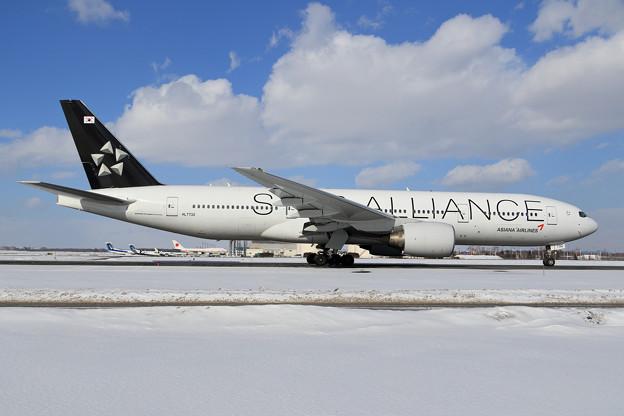 Boeing777-200 AAR Staralliance塗装機 HL7732