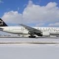 Photos: Boeing777-200 AAR Staralliance塗装機 HL7732