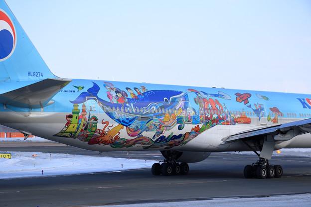 Boeing777 KAL 2018子どもの絵塗装機 HL8274 (1)