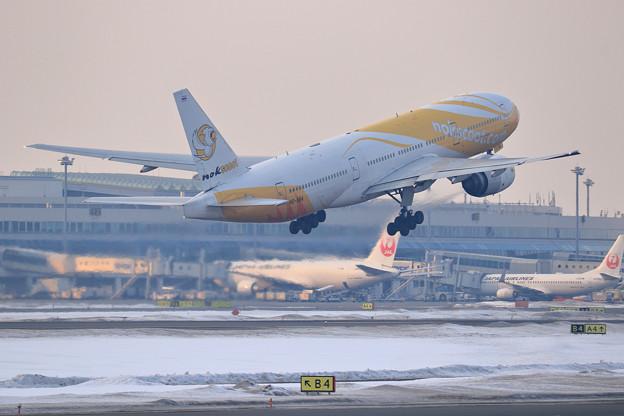 Photos: Boeing777 Nokscoot HS-XBA (3)