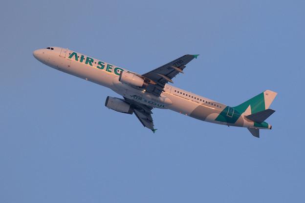 A321 Air Seoul HL7790 takeoff