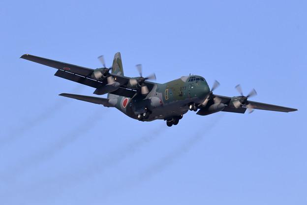 C-130H 75-1077 401sq approach