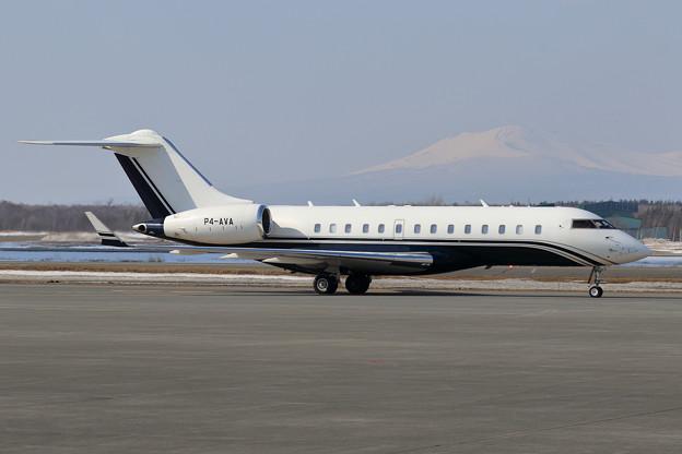 Bombardier Global 5000 P4-AVA (1)