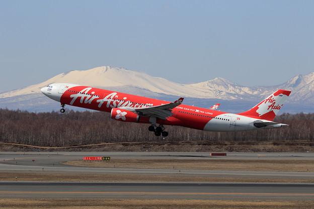 A330 TAX HS-XTA takeoff