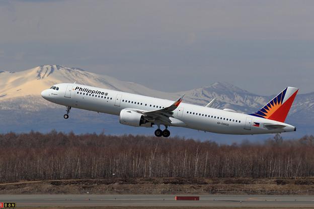 A321neo PAL RP-C9932 takeoff