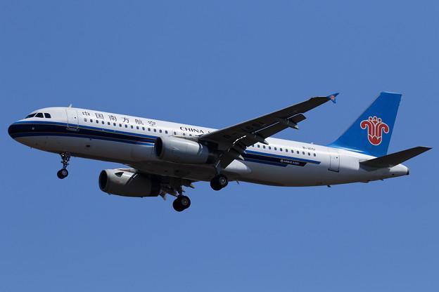 A320 南方航空 B-1651 approach