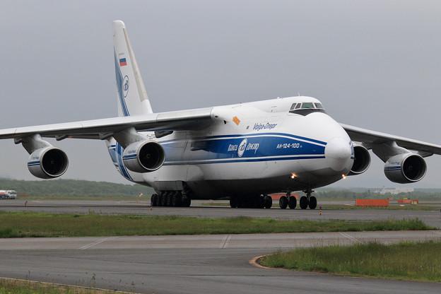 An124 RA-82044 飛来 (3)