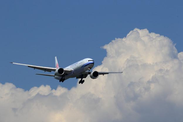 Boeing777 CALと夏の雲???