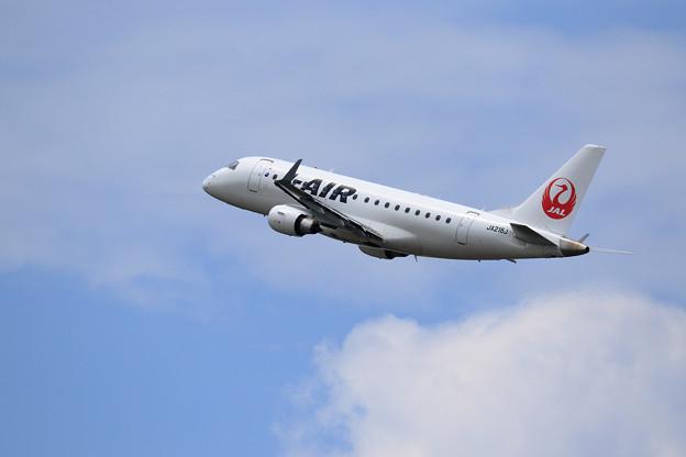 ERJ-170 JA218J J-AIR takeoff