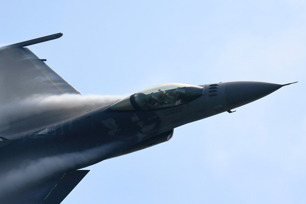 Photos: F-16C PACAF Viper Demo Team 予行 (2)