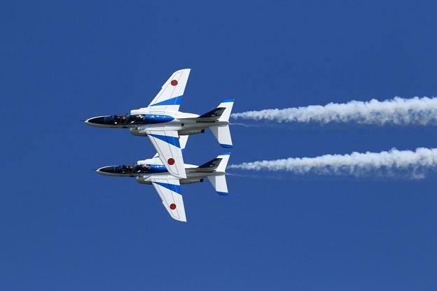 T-4 Blue Impulse 2機での展示飛行(7)