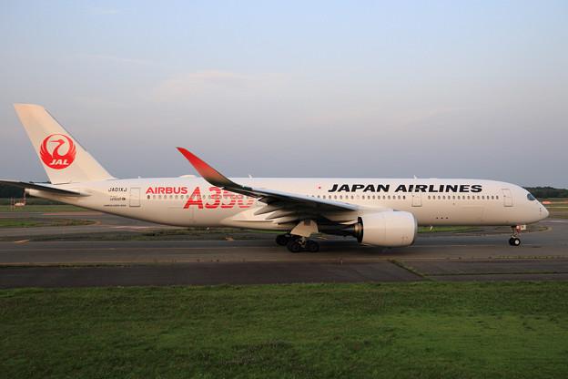 A350-900 JAL JA01XJ Rwy01Lへ (2)