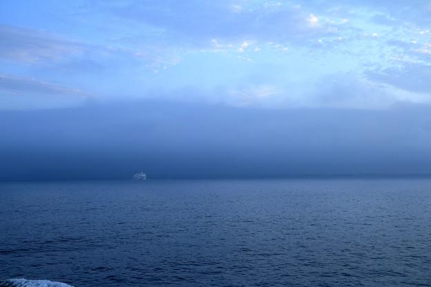 静かな海 (1)