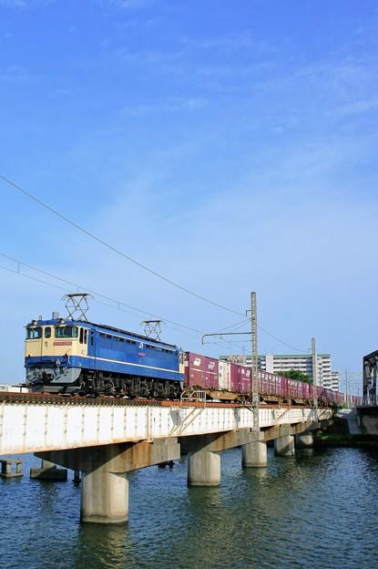 写真: 84レ【EF65 2068牽引】
