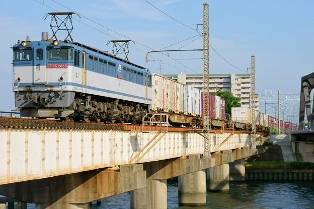 84レ【EF65 2085牽引】