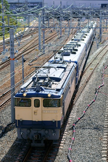 Photos: 北びわこ号 送り込み【EF65 1128牽引】