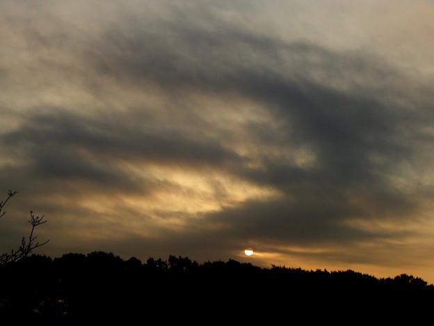 朝の黒い雲 PB298999
