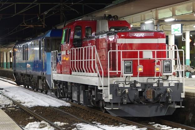 EH200 9+DD200 901 東新潟機関区貸出配給