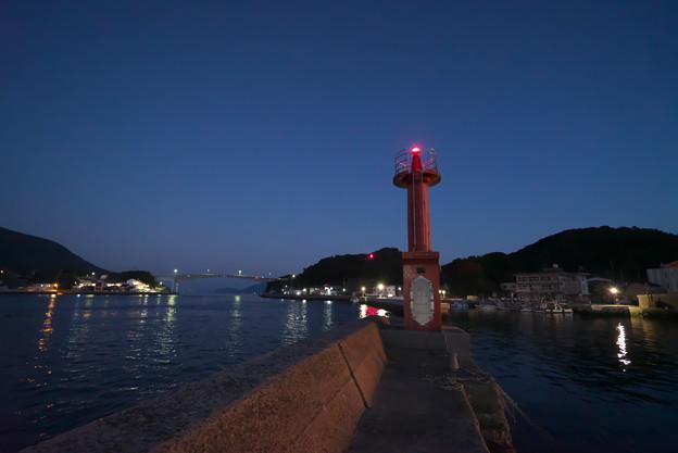 港の赤灯台