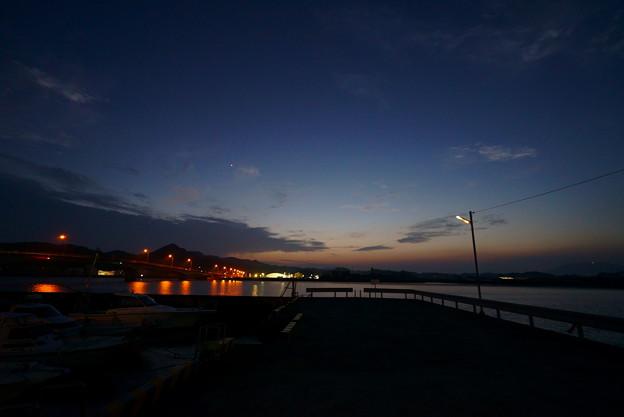 突堤の街灯