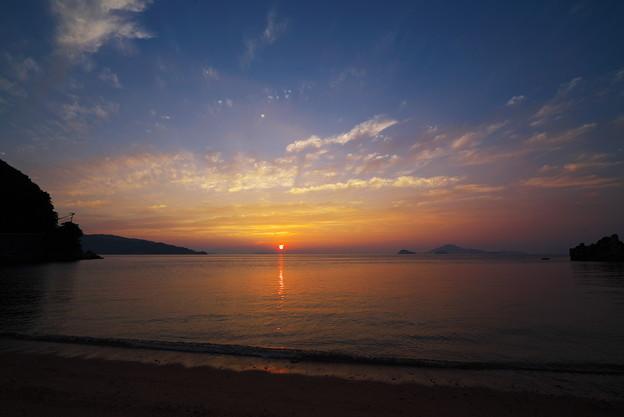 写真: 瀬戸の夕陽