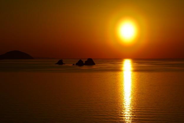 花粉光環の夕陽 叶島を過ぎて