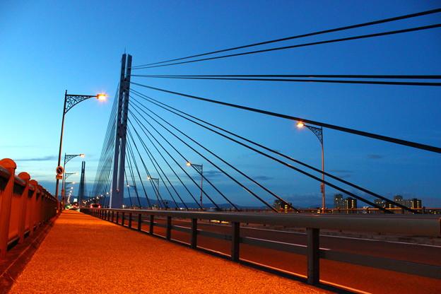 夕暮れの城北大橋