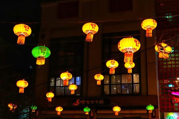 夜の南京町広場