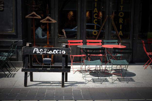 写真: 午後のカフェテリア
