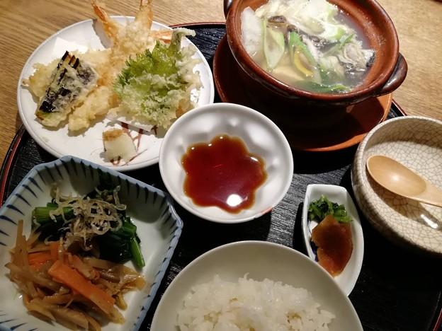 米に感激、嫌いなカキも美味しく汁は柚子とカキと正月の味!