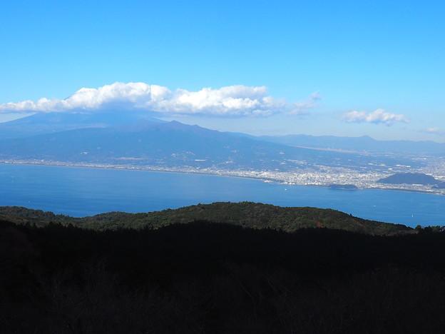 だるま山高原レストハウスより富士山と愛鷹山