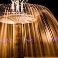 写真: 噴水のイルミネーション