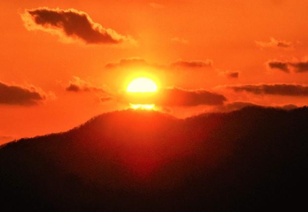 タコ入道のような不思議な夕陽@瑠璃山展望台