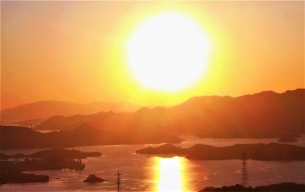 高見山の夕陽@しまなみ海道・布刈の瀬戸