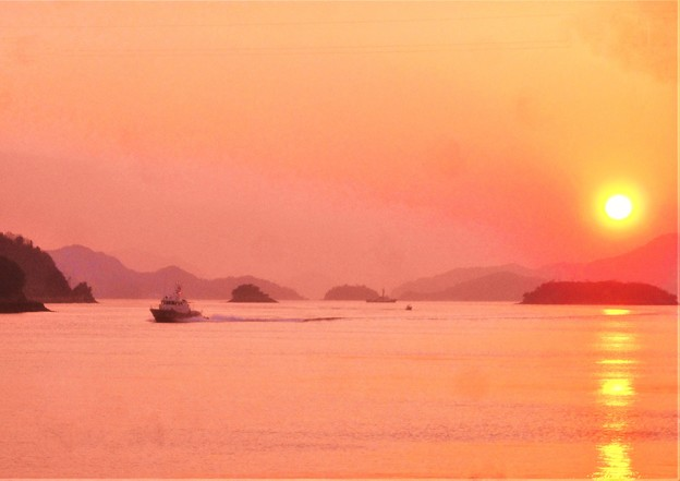 正月の夕暮れの海@瀬戸内海・燧灘