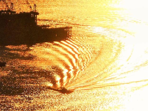 ストライプな光の干渉縞@大晦日イブの海域@瑠璃山展望台