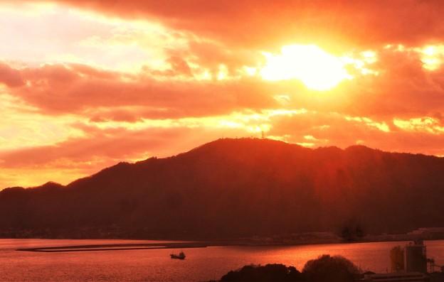 早春の筆影山の夕陽@瀬戸内・糸崎の丘