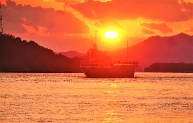 師走の赤石の鼻の夕陽@瀬戸内海・燧灘