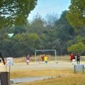 足並み揃えて@イノシシ注意@サッカー少年たち@びんご運動公園