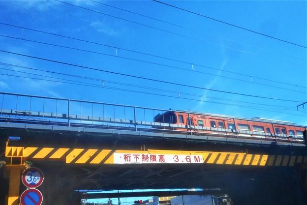 ノスタルジックな 山陽電車が行く@千光寺下ロープウェイ駅付近