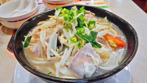 ガスト ( 成増店 ) 1日分の野菜のベジ塩タンメン ( 大盛り ) 2017/05/09