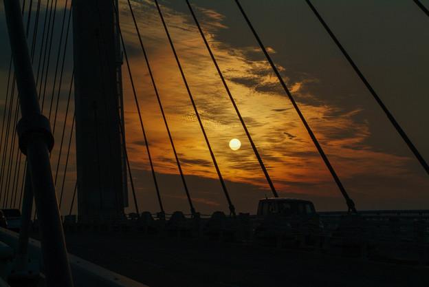 夕日とつり橋2