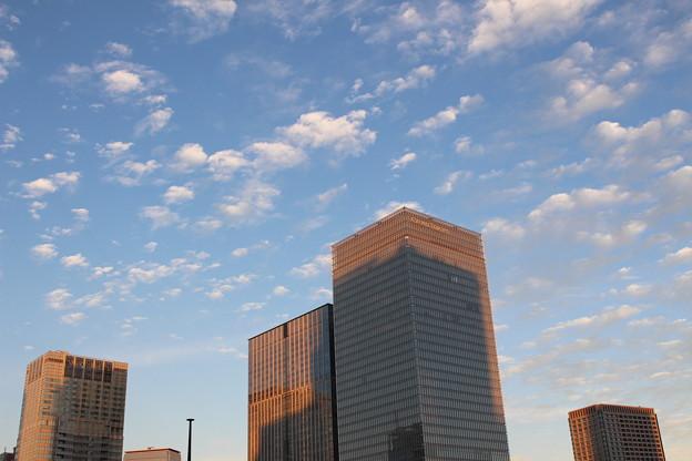 ビル街の空(1)